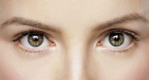 How-To-Apply-Mascara-Tips-for-Short-Lashes-