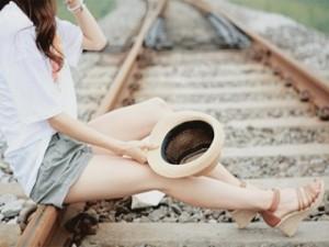 alone-girl-wa