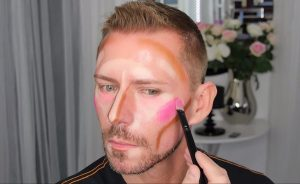clown-contouring-wayne-goss-breaks-down-the-latest-craze